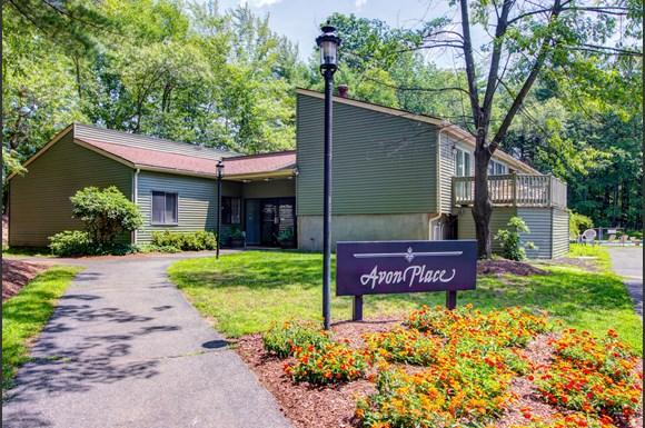 Clairmont Group Acquires 164-Unit Avon Place Apartment Community in Avon, Connecticut