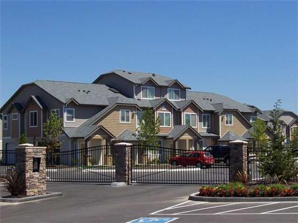 Kennedy Wilson Expands Portfolio with 280-Unit Apartment Community Buy in Seattle Area