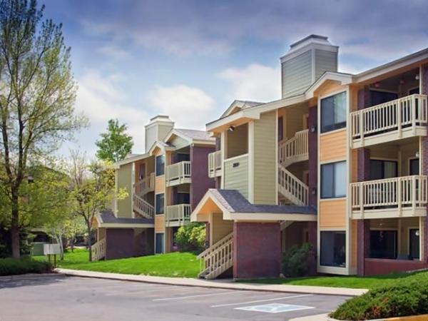 Lowe Enterprises Investors Acquires 161-Unit Garden-Style Apartment Community in Colorado
