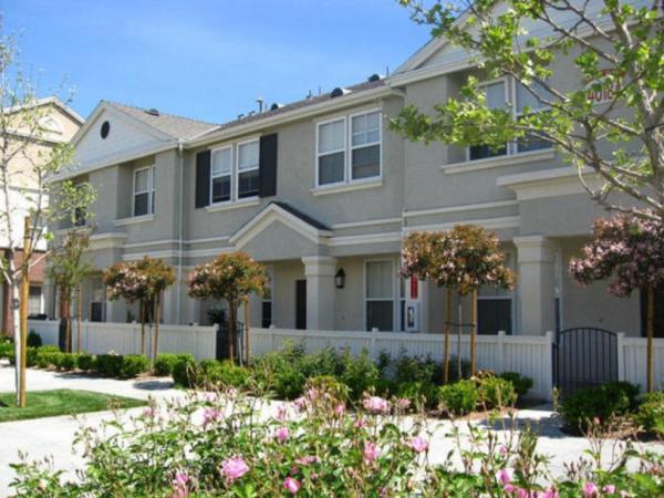 MIG Real Estate Acquires 300-Unit Luxury Garden Apartment Community in Temecula, California