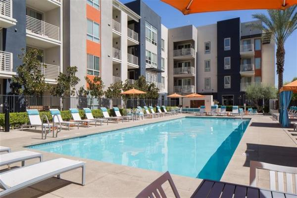 Multifamily Community in San Fernando Valley's Warner Center Sells to Private Investment Firm