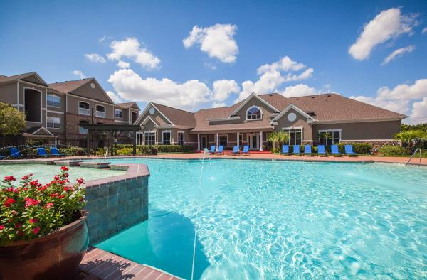 Waterton Acquires 330-Unit Carrington at Barker Cypress Apartment Community in Cypress, Texas