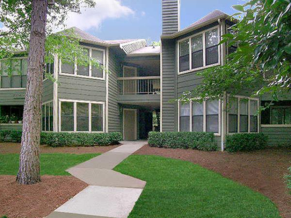 Emma Capital Completes Acquisition of 306-Unit Apartment Community in Atlanta Submarket