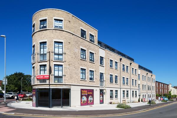 Starwood Capital and Round Hill Capital Complete Student Housing Investment in United Kingdom