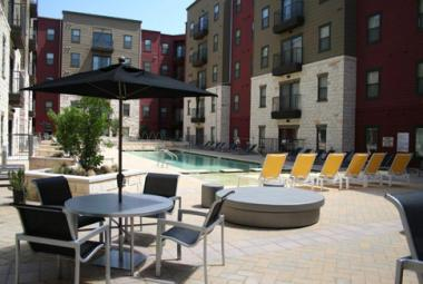 Circle West Campus Apartment Community Wins Prestigious Grand Award for Marketing