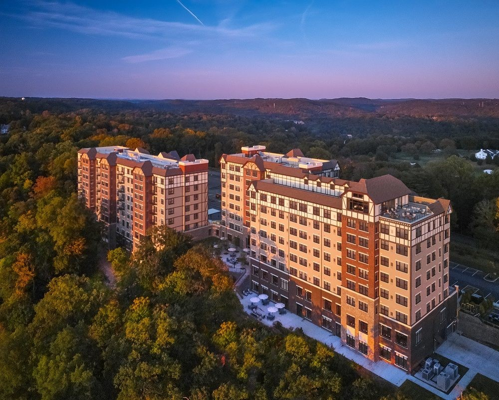 Senior Living Community Debuts Featuring Assisted Living, Independent Living and Memory Care with World Class Amenities
