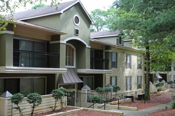 Greystar Acquires 400-Unit The Columns at Akers Mill Apartment Community in Popular Atlanta Suburb