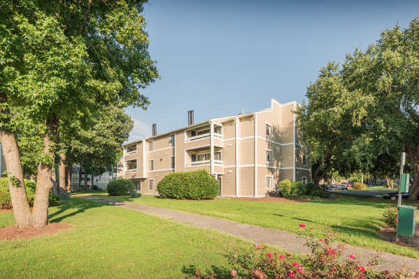 Drucker and Falk Acquires 396-Unit Garden Apartment Community in Newport News for $46.65 Million