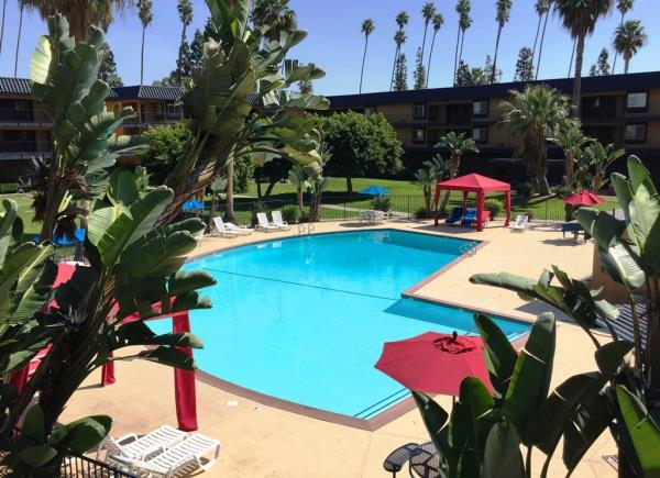 Canyon Partners Real Estate and CIT Bank Acquire 169-Unit Southern California Multifamily Community