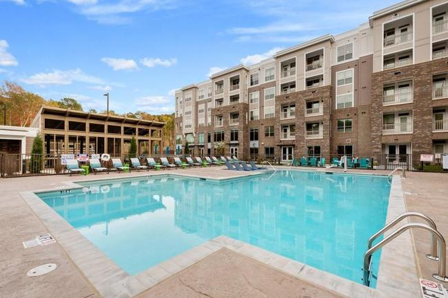 Round Hill Capital US Residential Income and Growth Fund Acquires 205-Unit Apartment Community in Cary, North Carolina