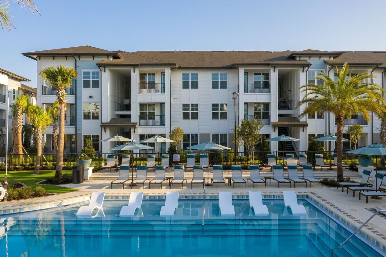 Sentinel Real Estate Acquires 276-Unit Bainbridge Town Center East Apartment Community in Jacksonville Submarket