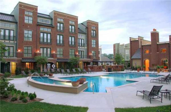 Amstar Sells 370-Unit Dwell at McEwen Multifamily Community located in Franklin, Tennessee