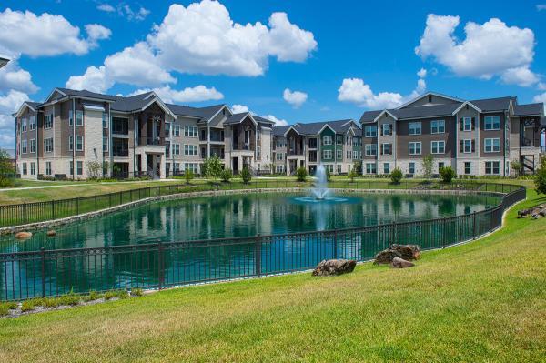 American Landmark Acquires 360-Unit Elan 99 West Apartment Community in Suburban Houston