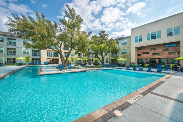 MIG Real Estate Enters Dallas Market with Acquisition of 330-Unit Multifamily Community