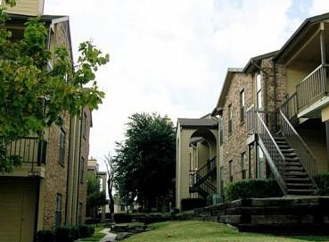 NAPA Ventures Acquires 208-Unit The Falls Apartment Community in Hot Dallas, Texas Market