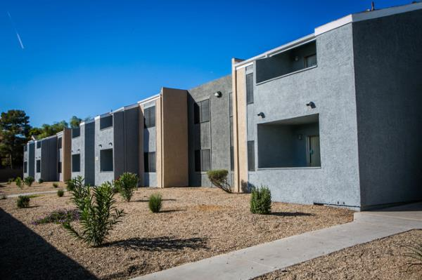 Henley Investments Adds to Las Vegas Portfolio with Acquisition of 312-Unit Apartment Community