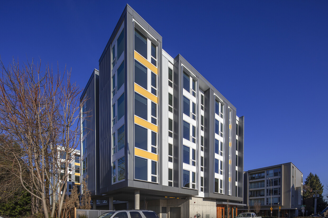 Pathfinder Partners Completes $27.4 Million Acquisition of 112-Unit FortyOne 11 Apartment Community in Vibrant Portland Suburb
