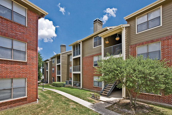 Hamilton Zanze Sells 368-Unit Fountains at Steeplechase Apartment Community in Dallas Submarket of Plano, Texas