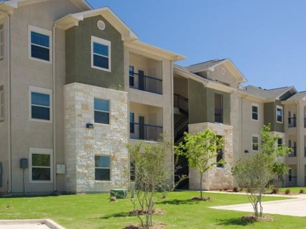 Bluerock Residential Growth REIT Acquires 288-Unit Fox Hill Apartment Community in Austin, Texas