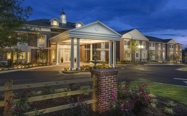 New Assisted Living/Memory Care Community Offers Resort-Style Living and Leading-Edge Technology