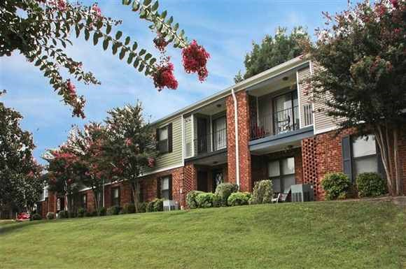 Ginkgo Residential Acquires Vintage 600-Unit Glendare Apartment Community in North Carolina