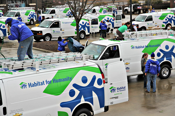 365 Connect Joins Forces with Habitat for Humanity in Supporting Hurricane Recovery Efforts
