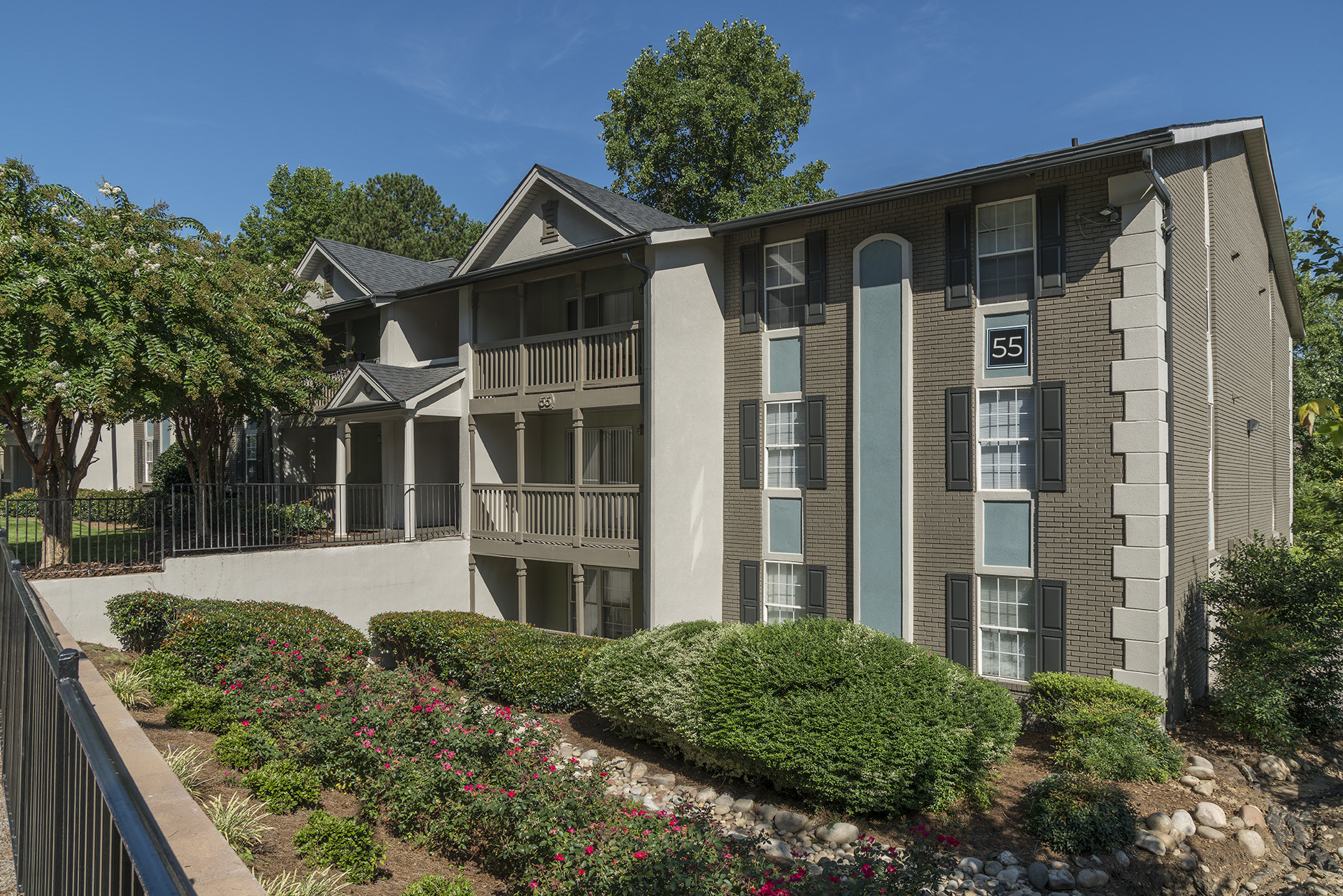 Venterra Realty Acquires 505-Unit The Harrison Garden-Style Apartment Community in The Atlanta Suburb of Sandy Springs, Georgia