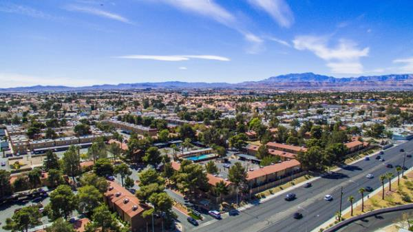 Henley Lead Partnership Acquires 512-Unit Multifamily Community in Southwestern Las Vegas Submarket