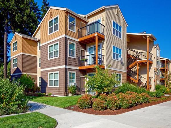 JLL Income Property Trust Acquires 324-Unit Premier Portland Apartment Community for $75 Million