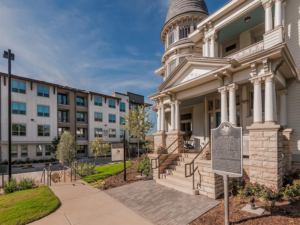 Embrey Sells Kelley at Samuels Avenue Luxury Apartment Community Located on Historic Site Overlooking The Trinity River in Fort Worth