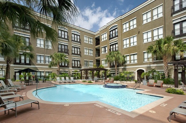 Banyan Residential and Marble Capital Acquire 375-Unit Lofts at the Ballpark Apartment Community in Downtown Houston