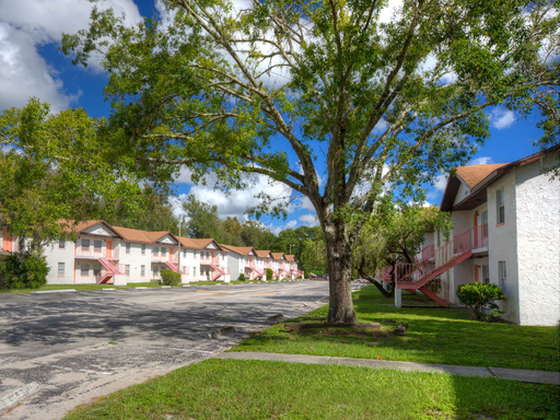 Hunt Mortgage Group Refinances Four Multifamily Properties Located in Tampa, Florida