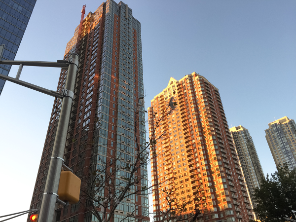 Downtown Jersey City Luxury High-Rise Apartment Community Celebrates Grand Opening