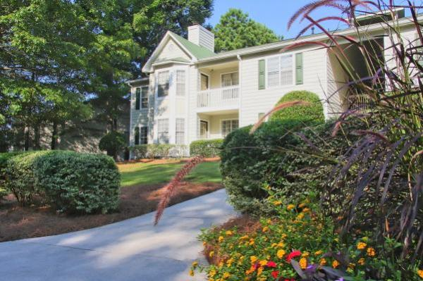 PointOne Holdings Acquires 344-Unit Multifamily Community in Metro Atlanta for $18.65 Million