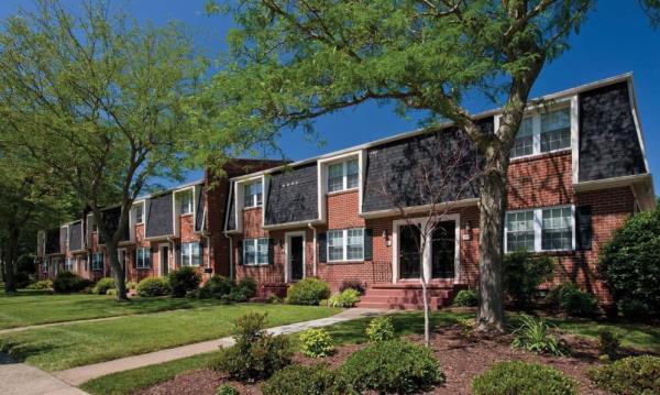 Hamilton Zanze Acquires 414-Unit Rental Townhome Community in Virginia Beach Market