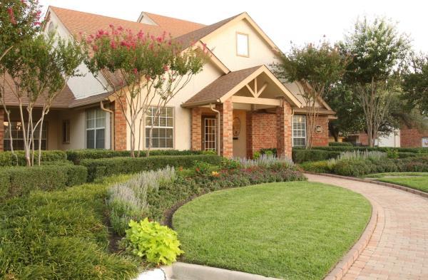 American Landmark and RSE Capital Acquire $247 Million Off Market 1,848-Unit Multifamily Portfolio