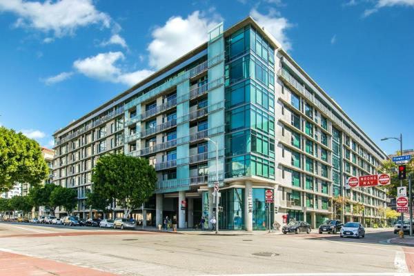 Berkshire Group Purchases 266-Unit Luxury Apartment Building in Downtown Los Angeles