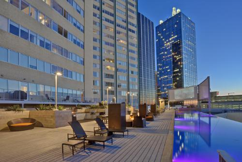Olympus Property Acquires Iconic Urban High-Rise Apartment Community in Downtown Dallas