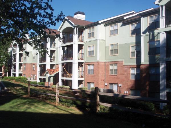 Bluerock Residential Acquires 480-Unit Apartment Community in Atlanta for $68.25 Million