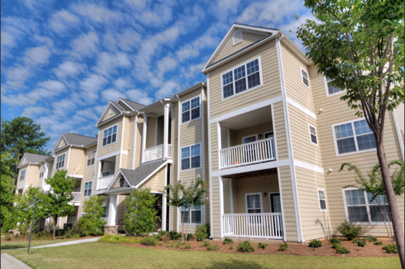 Robbins Electra Acquires 440-Unit Oakley Park Apartment Community in Atlanta Submarket