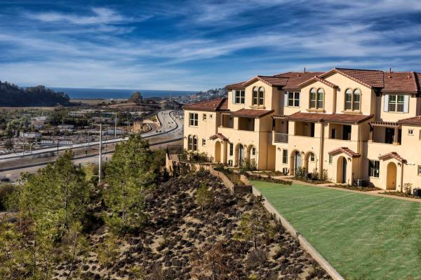 Pinnacle Awarded Management of 100-Unit Townhome-Style Apartment Community in San Diego