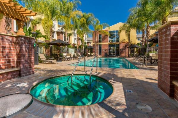 MG Properties Group Acquires 140-Unit Ontario Town Square Townhomes for $38 Million