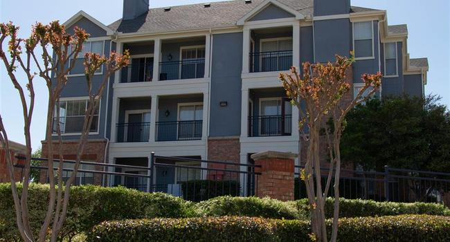 FCP and S2 Capital Mark Third Dallas-Fort Worth Transaction with Acquisition of 308-Unit Oxford Park Apartment Community in Irving