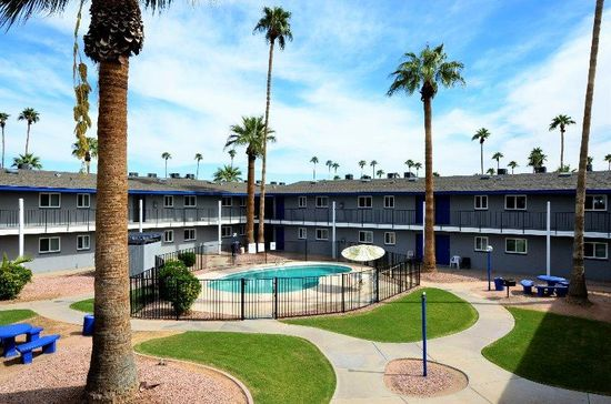 National Asset Services Grabs Management of 352-Unit Paradise Vista Apartment Homes in Glendale, Arizona