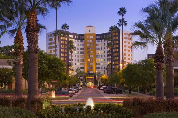 Freddie Mac Purchases Its Largest Single Multifamily Loan for 4,245-Unit Apartment Community
