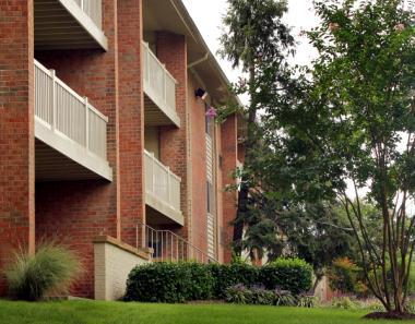 Morgan Properties and DRA Advisors Acquire 526-Unit Apartment Community in Laurel, Maryland
