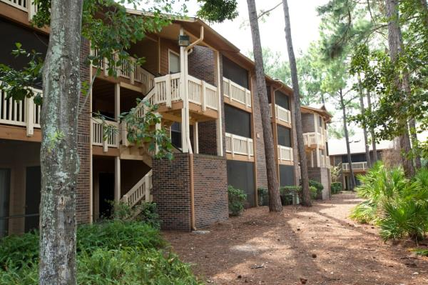 Robbins Electra Acquires 358-Unit Apartment Community in Suburbs of Jacksonville, Florida