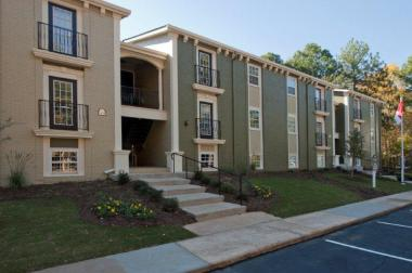 Turnaround Specialist The RADCO Companies Buys 144-Unit Apartment Community in Georgia