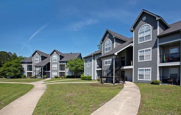Carter Multifamily Acquires Pelican Pointe Apartments in New Orleans Submarket for $28.6 Million