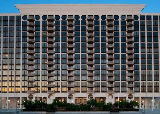 Waterton Associates Acquires 264-Unit Pensacola Place Apartment Community in Chicago, Illinois